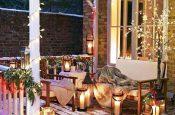 sous-le-porche-devant-la-maison-une-deco-de-noel-cocooning-1_5759541