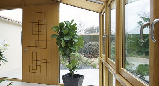 menuiseries zoom sur la fen tre en bois alu maison modernemaison moderne. Black Bedroom Furniture Sets. Home Design Ideas