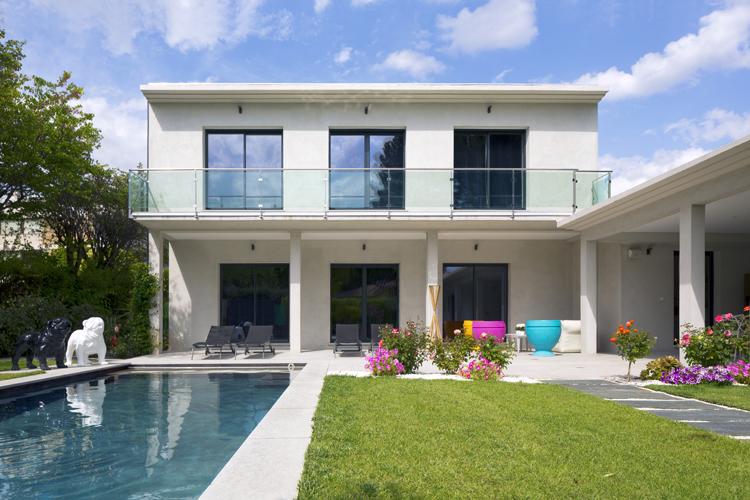 Une belle maison moderne en ProvenceMaison moderne