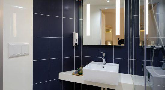 Rénover salle de bain ancienne - Maison moderne : douche ...