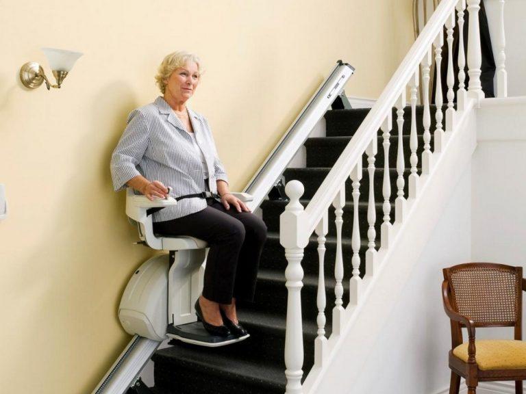 Le monte-escalier électrique, un dispositif de santé et un élément décoratif pour l'intérieur