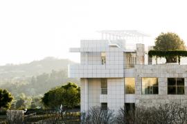 Maison moderne avec plusieurs étages