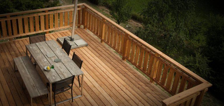 Comment faire une terrasse en bois sur pilotis?